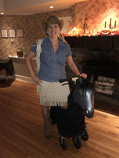 Kim from Rhode Island spruced up her Swivelmate for a Halloween Hoedown Party!