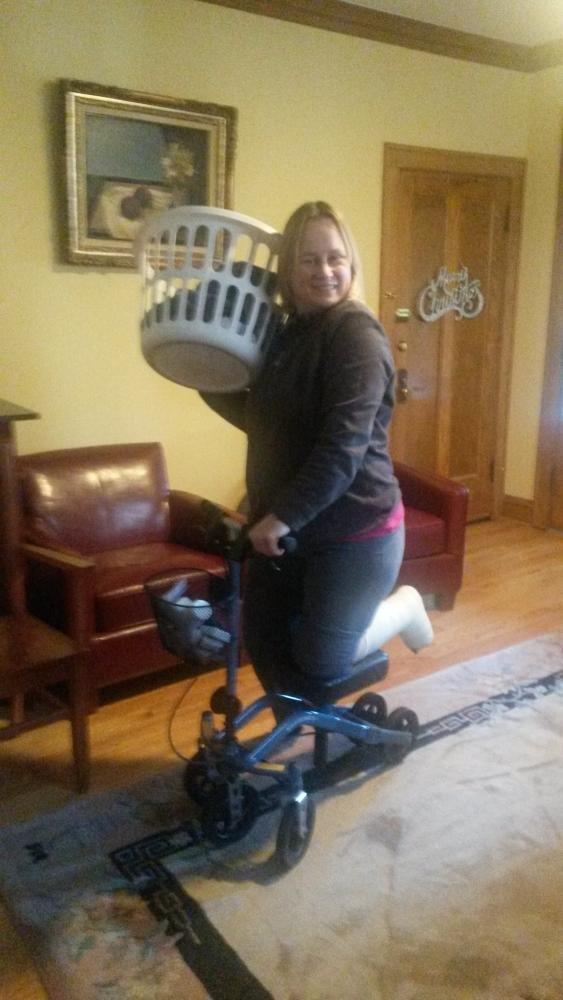 Jacqueline on the Swivelmate Knee Walker from Chicago Illinois February 2015