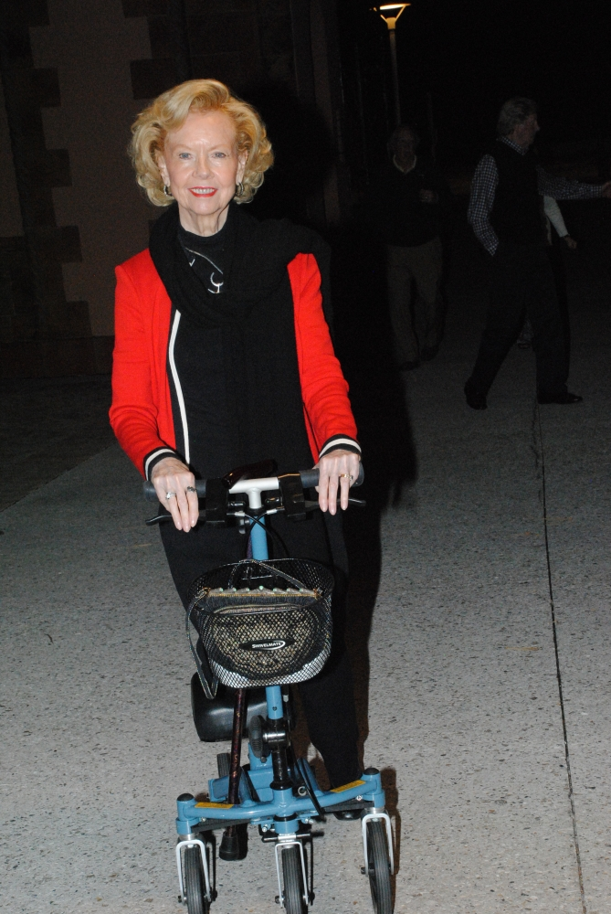 Barbara on the Swivelmate Knee Walker from University Park Florida February 2016