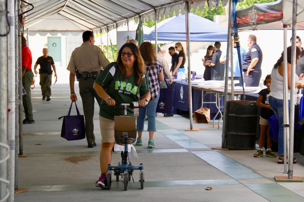 Clara on the Swivelmate Knee Walker from Duarte California September 2017