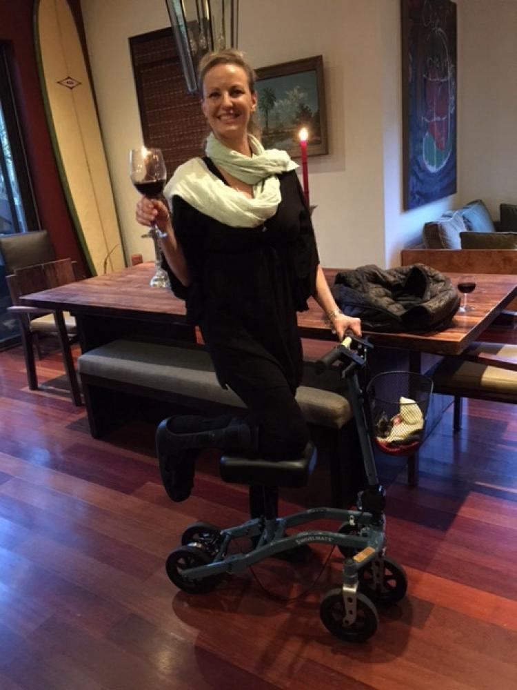 Janelle on the Swivelmate Knee Walker from Los Angeles California July 2015