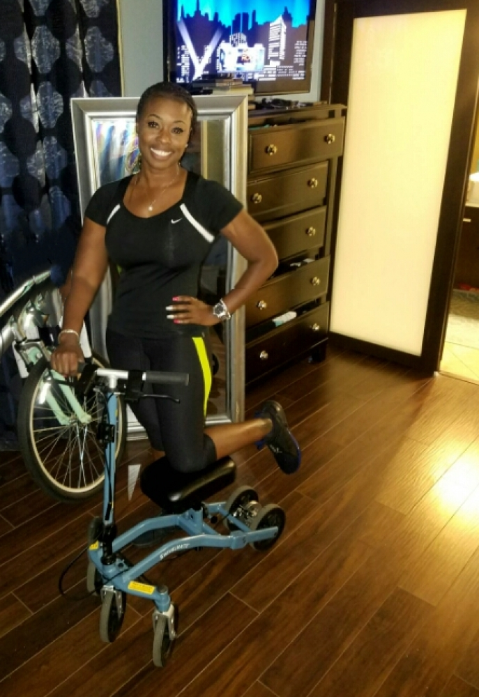 Jameca on the Swivelmate Knee Walker from Tamarac Florida March 2018