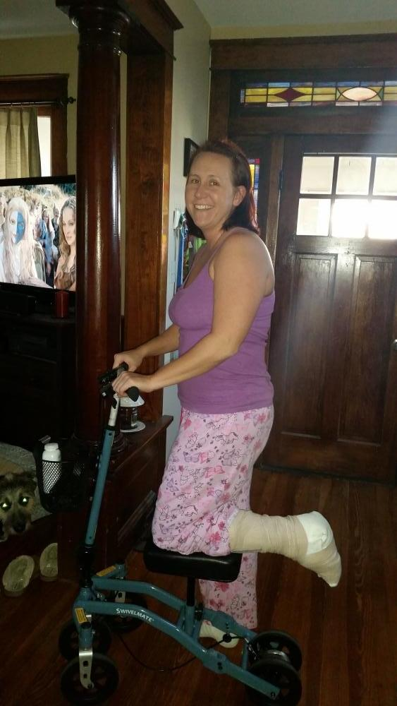 Jennifer on the Swivelmate Knee Walker from Halethorpe Maryland December 2015