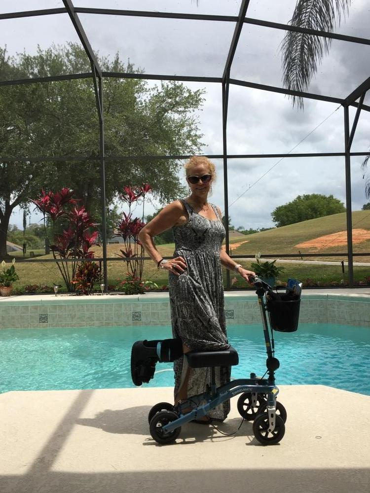 Amy on the Swivelmate Knee Walker from Lake Mary Florida May 2017