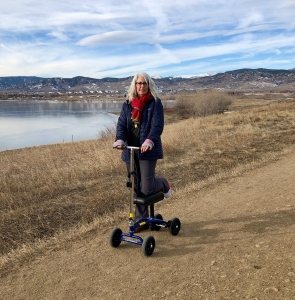 using a Orthomate All Terrain Knee Scooter from Boulder Colorado December 2019