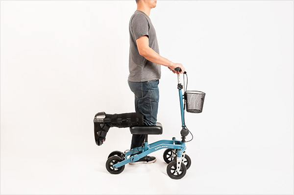 side view of a knee scooter