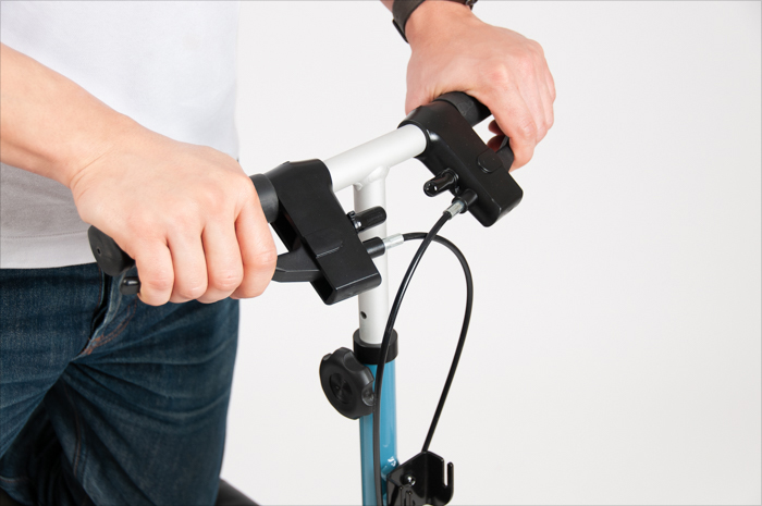 how to use a knee walker brake