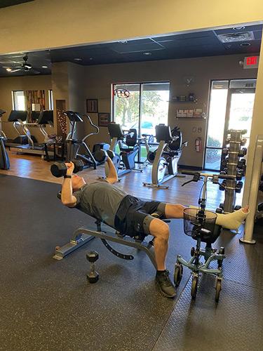 knee walker at gym