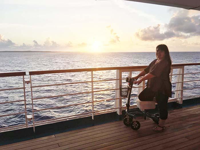 knee walker in cruise ship