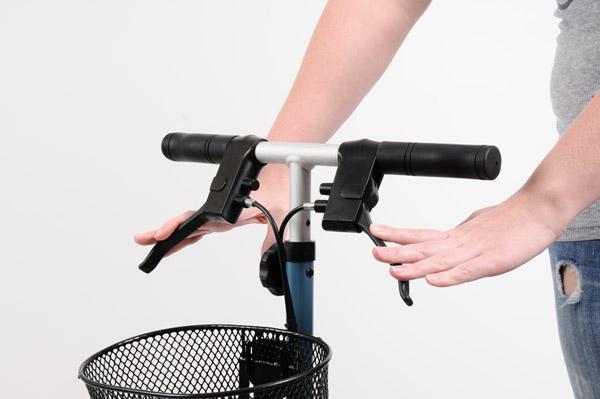 Brake engagement on Swivelmate knee walker