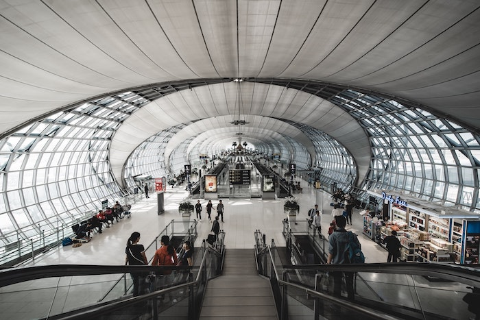 picture of an airport terminal